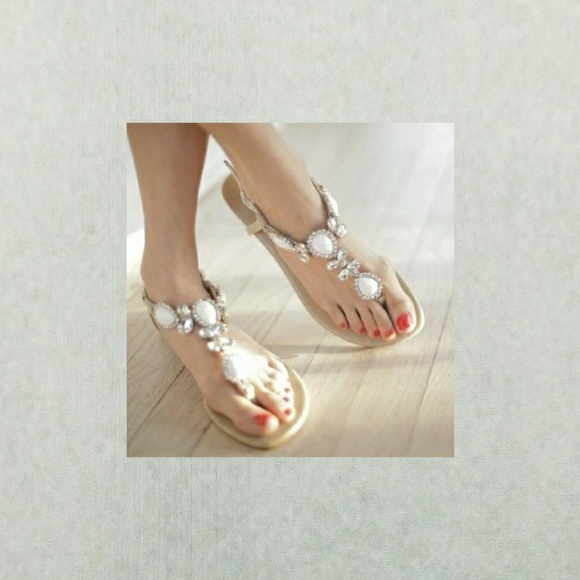 182b5f6b7f43 New Fibi   Clo Sandals Boutique